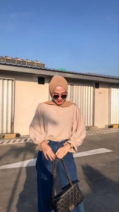 Hijab Fashion Summer, Modern Hijab Fashion, Street Hijab Fashion, Hijab Fashion Inspiration, Muslim Fashion, Modest Fashion, Korean Fashion, Winter Fashion, Casual Hijab Outfit