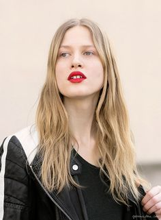 Red lipstick, street style, Paris Fashion Week / Garance Doré