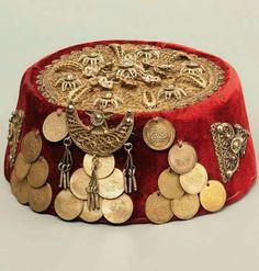 Traditional Turkish Hat For Women Fantasy Costumes, Dance Costumes, Traditional Fashion, Traditional Outfits, Ethnic Fashion, Boho Fashion, Crimean Tatars, Losing My Religion, Turkish Art