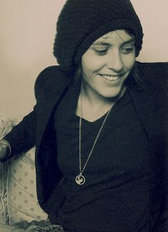 Pff, love it when she wears that kind of outfits! | Kate Moennig