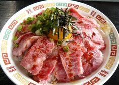 大分県豊後のブランド牛『豊後牛』のユッケ丼。これ絶対美味い