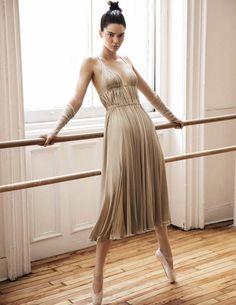 Kendall Jenner @KendallJenner by Miguel Reveriego @LGAManagement for Vogue Spain @VogueSpain October 2016 #composition #motion