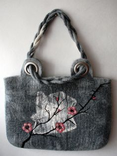 "Gorgeous Felted bag ""Sakura"" via Etsy.so nice! Handmade Handbags, Handmade Bags, Needle Felting Tutorials, Felt Purse, Art Bag, Nuno Felting, Shopper, Felt Art, Beautiful Bags"