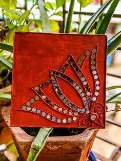 Stone Crafts, Rock Crafts, Craft Stick Crafts, Worli Painting, Pottery Painting, Mirror Crafts, Mirror Art, Clay Wall Art, Clay Art