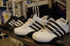 ADIDAS ORIGINALS  Nivel 1  Teléfono : 7968-9159 Tienda de ropa deportiva para damas y caballeros.