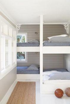 love this for bed idea.Sydney-based designer Justine Hugh-Jones bunk room for a beach house.just minus the gingerbread detailing. Bunk Beds Built In, Kids Bunk Beds, Corner Bunk Beds, Queen Bunk Beds, Loft Beds, Ideas Terraza, Bunk Rooms, Home Bedroom, Bedroom Decor