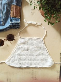 OH HEY, CROCHET - This knit is proving to be a big summer hit. (h) Mit diesem Boho-Style Häkel Top stehst du am Strand, i...