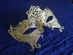 This gorgeous gold 3d Printed Regal Queen mask is perfect for masquerade balls, parties, halloween, costumes, or just taking your own incredible photos. It works great with an Indian Princess costume, a Regal Queen, a Gypsy or anything that would look good with an intricate filigree Princesa India, Indian Princess Costume, Butterfly Mask, Masquerade Ball, Filigree, Gypsy, Balls, Halloween Costumes, Sculptures