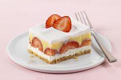 Berried Delight Recipe - Kraft Recipes Yes. 13 Desserts, Strawberry Desserts, Dessert Recipes, Strawberry Delight, Strawberry Bars, Strawberry Pudding, Strawberry Pretzel, Spring Desserts, Strawberry Cheesecake