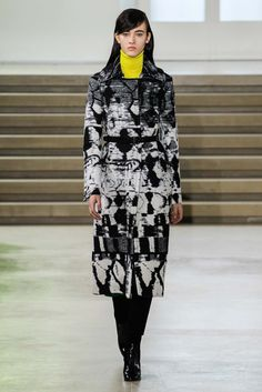 Jil Sander - Fall 2015 Ready-to-Wear - Look 39 of 46?url=http://www.style.com/slideshows/fashion-shows/fall-2015-ready-to-wear/jil-sander/collection/39