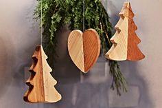 Závěs strom, srdce Dřevo 10 - 15 cm á 60,-Kč