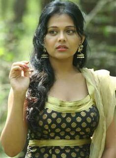 Mitwaa.. #PrarthanaBehere #Marathi #Actress