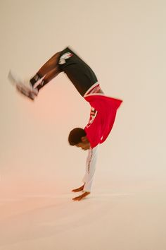 UO Interviews: Alton Mason Choreographs the FILA + UO Basketball Collection Video Film High School, High School Musical, Bokuto Koutarou, Bad Kids, Remember The Time, The Way I Feel, Handsome Black Men, Michael Jackson, Urban Outfitters