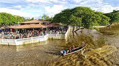 """La pesca de la Sapoara o """"Zapoara"""" especie de pez autóctona del río Orinoco se ha convertido en una tradición que año tras año atrae a miles de turistas para presenciar su captura en las riberas del Paseo Orinoco de Ciudad Bolívar. #tradicionbolivarence #djiglobal  #venezuela    #drone #dronerosdeVenezuela #MIVENEZUELA #worldvenezuela #worldwideshipping"""