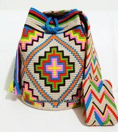 Radka Voříšková Crochet Chart, Crochet Motif, Crochet Stitches, Knit Crochet, Crochet Patterns, Tapestry Bag, Tapestry Crochet, Mochila Crochet, Potli Bags