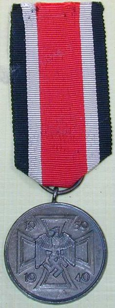 This is a very rare and extremely difficult to find World War II German… Military Awards, Military Decorations, War Medals, Germany Ww2, Military Insignia, Flag Patches, Arts Award, World War Two, Wwii