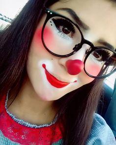 Cute Clown Makeup, Scary Makeup, Halloween Clown, Halloween Makeup Looks, Auguste Clown, Clown Face Paint, Female Clown, Carnival Themed Party, Clown Faces