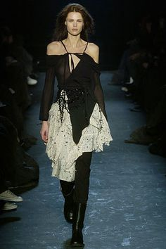 Ann Demeulemeester Fall 2005 Ready-to-Wear Fashion Show - Diana Gärtner
