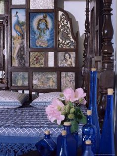 17-4169~Colonial-Style-Bed-with-Bed-Headboard-Inlaid-with-19th-Century-Prints-of-the-God-Krishna-Posters[1].jpg (338×450)