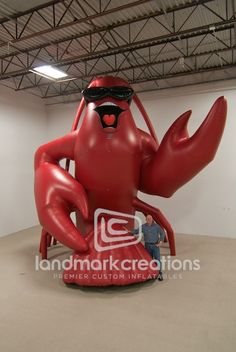 This giant inflatable crawfish has enough spunk to jazz up any Creole themed festival or promotion! Created to promote a crawfish farm, this giant inflatable crustacean 'catches' attention of passersby in a big way! Seafood Shop, Seafood Party, Seafood Boil, Crawfish Pie, Crawfish Season, Lobster Shack, Crab Shack, Cajun Boil, Gumbo File