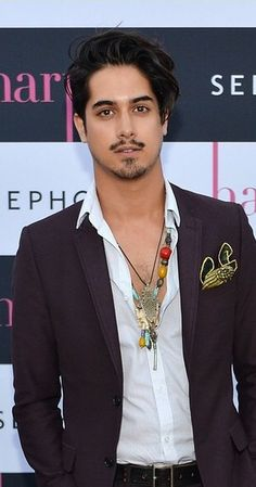 "Avan Jogia, Actor: Tut. Vancouver native, Avan Jogia landed his first acting role as 'Danny Araujo 'on the award-winning TV movie drama ""A Girl like Me: The Gwen Araujo Story,"" directed by Oscar nominee Agnieszka Holland. Jogia followed up with a recurring role on the SyFy Channel hit series ""Caprica,"" as well as becoming series regular role the CW's ""Aliens in America."" Recently receiving notice amongst a wide audience..."