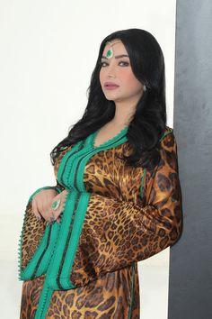 ✯ Morocco Fashion, Indian Fashion, Modest Fashion, Hijab Fashion, Collection Eid, Style Marocain, Arabic Dress, Moroccan Caftan, Islamic Clothing
