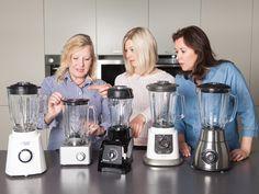 Smoothies selber mixen – total im Trend. Aber welches Gerät lohnt es sich zu kaufen? Reicht ein günstiges Gerät, oder sollte man doch lieber zu einer hochwertigen Marke greifen? Schwierige Frage! Wir haben fünf Geräte ausgiebig getestet.http://www.fuersie.de/kitchen-girls/produkt-tests/blog-post/smoothie-mixer-im-test