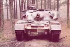 Ordinary morality is only for ordinary people - Chieftain in the camouflage of the Berlin. Army Vehicles, Armored Vehicles, The Centurions, Military Armor, Armored Fighting Vehicle, Battle Tank, Paint Schemes, British Army, Cold War
