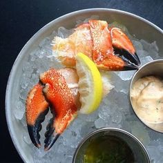 Treat Yourself: Succulent chilled Jonah Crab Claws w remoulade & salsa verde #pinças #sapateira #rawbar #crab @lupulonyc