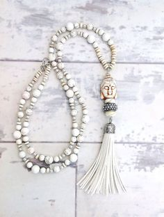 https://www.etsy.com/uk/listing/275698334/white-tassel-necklace-long-tassel? ☆ https://es.pinterest.com/iolandapujol/pins/ ☆ insta: @ iola_pujol / @iolastyle