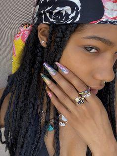 Black Girl Aesthetic, Aesthetic Beauty, 90s Aesthetic, Pretty Black Girls, Black Is Beautiful, Pretty People, Beautiful People, Planet Nails, Pretty Selfies