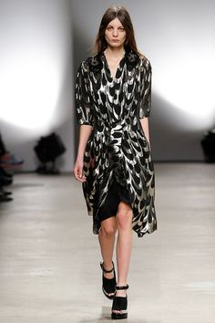 Creatures of the Wind Fall 2015 RTW Runway – Vogue