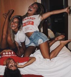 girl, best friends, and friendship image Bff Goals, Friend Goals, Squad Goals, Photos Bff, Cute Photos, Best Friend Fotos, My Best Friend, Crazy Best Friends, Best Friend Pictures