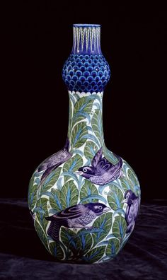 William De Morgan vase, Arts & Crafts Movement.