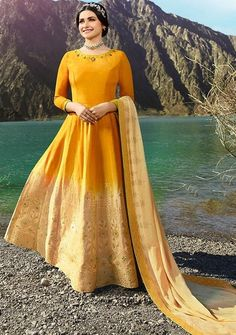 2e2613b52f 31 Best Celebrities In Salwar Kameez images in 2019 | Indian clothes ...