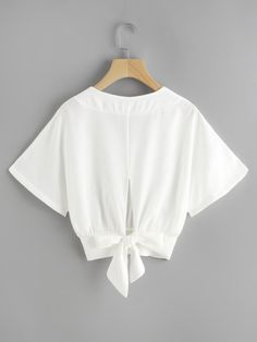 Shop Split Bow Tie Back Dolman Top online. SheIn offers Split Bow Tie Back Dolman Top & more to fit your fashionable needs. Crop Top Outfits, Edgy Outfits, Cool Outfits, Fashion Outfits, Womens Fashion, Blouse Styles, Blouse Designs, Simple Dresses, Casual Dresses