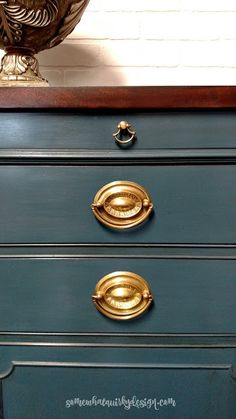Somewhat Quirky: Refreshing a Sideboard With Aubusson Blue Chalk Paint