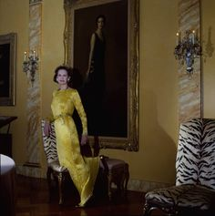 Gloria Vanderbilt at home. Photographed by Horst P. Horst, Vogue, April In the trailer for the HBO documentary, Nothing Left Unsaid, Gloria Vanderbilt Bert Stern, Robert Mapplethorpe, Michelle Dockery, Annie Leibovitz, Richard Avedon, Elsa Peretti, Gloria Vanderbilt, Cornelius Vanderbilt, Lauren Bacall