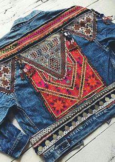 How to decorate a jeans jacket and convert it in a customized vest?