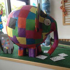 Elmer (created by juf Edith) Maar dan met een Indische versiering