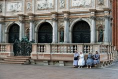 Outside the Biblioteca #Marciana - on the Piazza San Marco, #Venezia, Veneto, Italy (foto di Alberto Schiavo) #renaissance