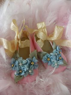 Found on Etsy.  Marie Antionette Baby Shoes!   Aren;t they just the sweetest thing!