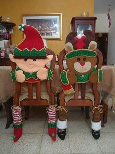 Maru Rivera Muñoz's media content and analytics Christmas Makes, Christmas Snowman, Winter Christmas, Christmas Time, Christmas Ornaments, Christmas Projects, Diy And Crafts, Christmas Crafts, Christmas Chair Covers