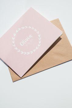 GEBOORTEKAARTJE Olivia met olijftak - ontwerp door Leesign - www.leesign.nl #geboortekaart #leesign #geboortekaartje #meisje #birthcard #zwanger #kaart #olijf #olijftak #olivia #roze