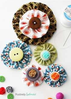 Fabric Yo-Yo Tutorial with Free Printable Templates | Positively Splendid {Crafts, Sewing, Recipes and Home Decor}
