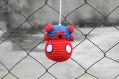 I'm laughing so hard 😂 Kawaii Crochet, Crochet Disney, Cute Crochet, Crochet Amigurumi Free Patterns, Crochet Dolls, Crochet Stitches, Spiderman, Crochet Cross, Yarn Crafts