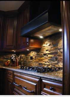 kitchen could use air stone or river rocks