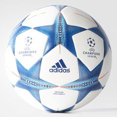 When the champions clash, they do it over this soccer ball. Just like the one used during the tournament's group phase, it's made from high-quality materials for accurate touches, passes and shots. Features a seamless surface and a design inspired by Milan.