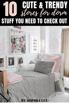 I had no idea where to buy dorm stuff until I found this! I'm an incoming freshman and these stores are so perfect for dorm room decor and organization stuff! I'm so excited to start shopping #dorm #college Dorm Room Setup, Dorm Room Layouts, Boho Dorm Room, Dorm Room Designs, Pink Dorm Rooms, College Dorm Rooms, College Tips, Inspiration Room, College Dorm Organization