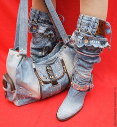 Denim Boots, Denim Bag, Denim Outfit, Jeans And Boots, Shabby Chic Stil, Jean Délavé, Denim Ideas, Diy Jeans, Creation Couture